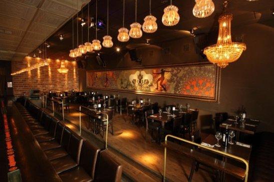 sleek-bar-restaurant
